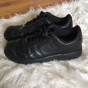 Men's Nike Air Force I in Black / Size 11.5